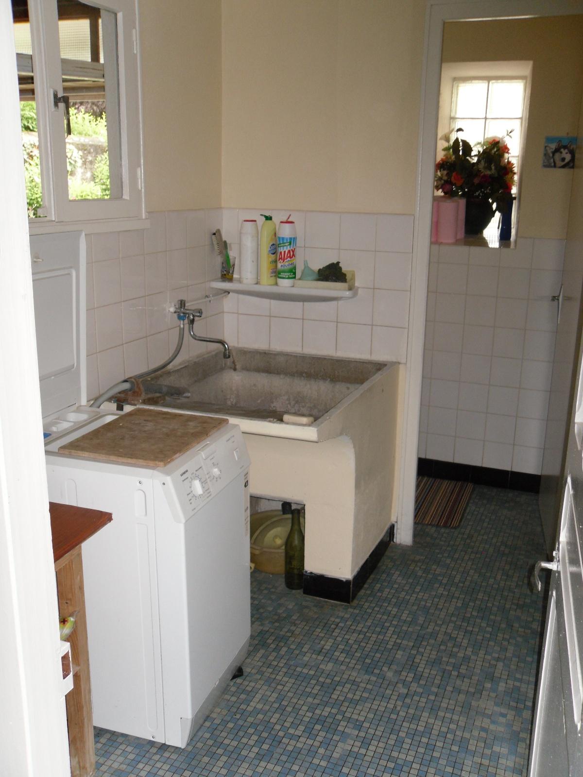 Salle d eau pour personne mobilit r duite pmr ajp65 - Amenagement d une buanderie ...